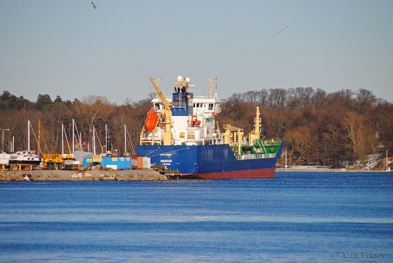Mergus skulle senare under kvällen ha avgått mot Nynäshamn, men hon ligger kvar vid Beckholmen.